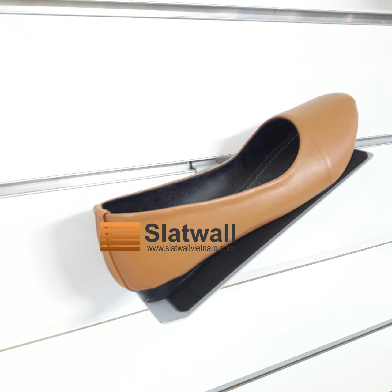 Kệ sắt để giày cài Slatwall KGS01